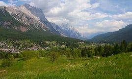 Cortina d'Ampezzo in den italienischen Dolomit Stockfotografie