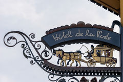 CORTINA D'AMPEZZO, VENETO/ITALY - 27. MÄRZ: Hotel de la Post S Lizenzfreies Stockfoto