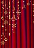 Cortina roja con la decoración de la Navidad. Fotografía de archivo libre de regalías