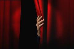 Cortina roja de apertura Foto de archivo libre de regalías