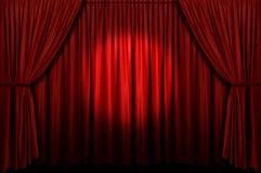 Cortina roja de la etapa con el proyector Fotos de archivo libres de regalías