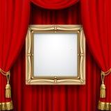 Cortina vermelha com um quadro do ouro Foto de Stock