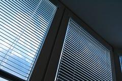 Cortinas de indicador para a proteção do sol Fotografia de Stock Royalty Free