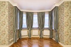 Cortinas de la decoración de la ventana Foto de archivo libre de regalías