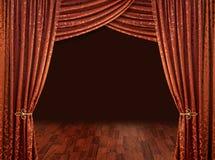 Cortinas del teatro, rojo de cobre fotos de archivo libres de regalías