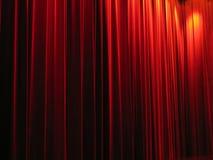 Cortinas rojas del teatro Imágenes de archivo libres de regalías