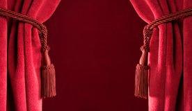 Cortinas vermelhas do teatro Imagem de Stock Royalty Free