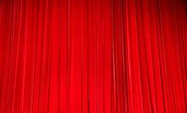 Cortinas vermelhas do teatro de veludo Fotografia de Stock Royalty Free