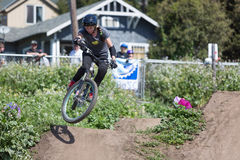 Cortney Knudson - Santa Cruz Mountain Bike Festival Royaltyfri Bild