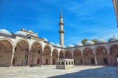 Cortyard av den Suleymaniye moskén Royaltyfri Foto