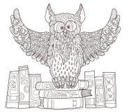 Coruja em livros Ilustração Royalty Free