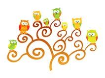 Corujas em um vetor da árvore Imagem de Stock Royalty Free