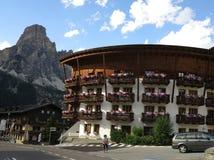 Corvara in Badia (Alta Badia), Italia, montagne di Dolomiten, Sassongher Immagine Stock