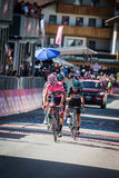 Corvara, Italia 21 de mayo de 2016; Andrey Amador, ciclista profesional, pasa la meta y perdió su jersey rosado en el macho de la Fotos de archivo
