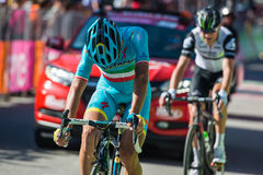 Corvara, Italia 21 de mayo de 2016; Vincenzo Nibali, ciclista profesional, pasa la meta de la etapa Fotografía de archivo libre de regalías