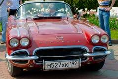 Corvet rouge au jour classique 2010 de Mercedes-Benz Photographie stock libre de droits