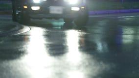 Corveta conduz no quadro ao dirigir à esquerda vídeos de arquivo