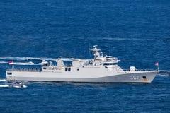 Corvetta della classe di SIGMA di KRI Iskandar Muda 367 che appartiene alla marina nazionale indonesiana Sydney Harbor di partenz immagini stock libere da diritti