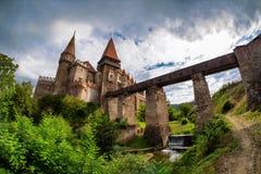 Corvin Huniazilor slott från Hunedoara, Rumänien Royaltyfria Bilder