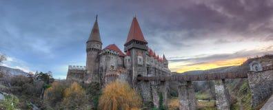 Corvin slott från Hunedoara, Rumänien Arkivfoto