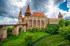 Corvin slott i Rumänien royaltyfria bilder