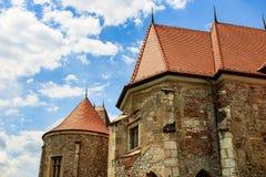 Corvin slott, också som är bekant som den Hunyadi slotten i Hunedoara, Rumänien royaltyfri foto