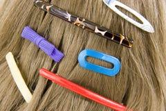Cosas del pelo en el pelo Foto de archivo libre de regalías