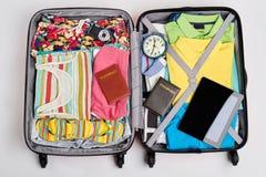 Cosas esenciales para ir al extranjero Imágenes de archivo libres de regalías
