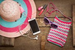 Cosas para la mujer joven de la playa Imágenes de archivo libres de regalías