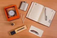 Cosas personales de la diversa oficina Imagen de archivo