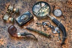 Cosas y accesorios del ` s del caballero del vintage en una luz ideal mágica libre illustration
