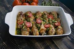 Coscie di pollo arrostite con le spezie, primo piano fotografie stock