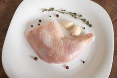 Coscie di pollo crude Fotografie Stock Libere da Diritti