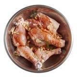 Coscie di pollo crude Fondo bianco isolato Fotografia Stock Libera da Diritti