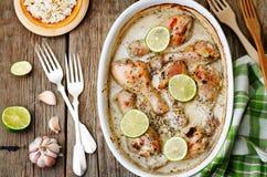 Coscie di pollo della calce dell'aglio della noce di cocco Fotografie Stock Libere da Diritti