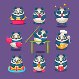 Cose quotidiane di Panda Character Doing Different del fumetto sveglio di Panda Emoji Collection With Humanized Immagini Stock Libere da Diritti