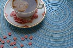 Cosecha del paisaje del café de la mañana del día de tarjeta del día de San Valentín fotografía de archivo