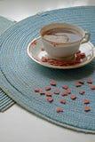 Cosecha del retrato del café de la mañana del día de tarjeta del día de San Valentín imagen de archivo