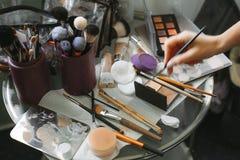 Cosmético profissional da escova da composição fotos de stock