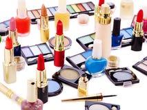 Cosméticos decorativos para el maquillaje. Imagen de archivo