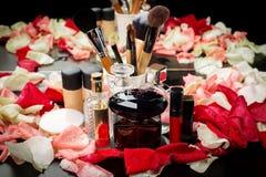 Cosméticos decorativos para el maquillaje Fotografía de archivo libre de regalías