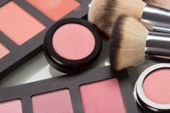 Cosméticos del maquillaje polvo compacto, mineral imágenes de archivo libres de regalías