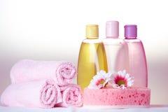 Cosméticos do cuidado do banho imagens de stock royalty free