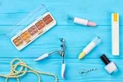 Cosméticos para el maquillaje, visión superior Fotografía de archivo libre de regalías