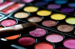 Cosméticos profesionales Sombreador de ojos, colorete, polvo Imágenes de archivo libres de regalías