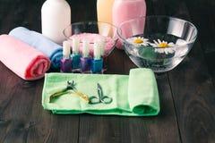 Cosméticos y accesorios para la manicura o la pedicura Imágenes de archivo libres de regalías