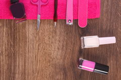 Cosméticos y accesorios para la manicura o la pedicura, concepto del cuidado del clavo, espacio de la copia para el texto Foto de archivo