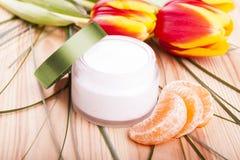 Cosmétique naturel fabriqué à la main - crème Photo libre de droits
