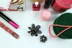 Cosmétiques et accessoires féminins Image stock