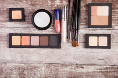 Cosmetic compacts and applicators Royalty Free Stock Photos